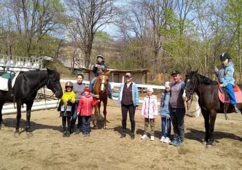 """29 апреля ребята 2 класса посетили 4е занятие в Школе верховой езды """"Россо"""""""