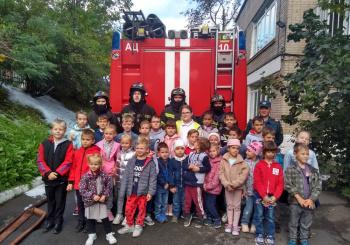 Экипаж пожарной  машины  ПЧ №10 (Ленинского района) 28.09 посетил наше учреждение