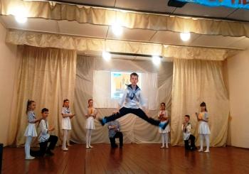 Подготовка и выступление с танцем «Яблочко»